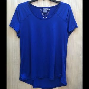 Daisy Fuentes fit blue athletic tee size L
